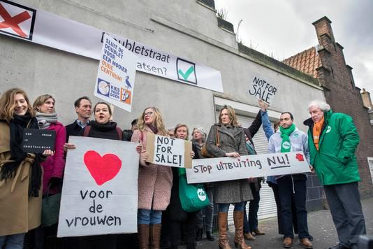 Demonstratie tegen de raamprostitutie in de Doubletstraat, februari van dit jaar.