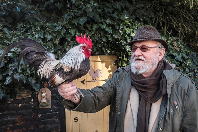 Voorkraaier Sjef Reichgelt met haan.  Foto Theo Peeters