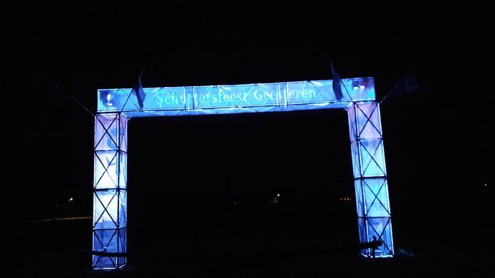 De toegangspoort van het Schuttersfeest in Geesteren. Later deze week wordt het feestterrein ingericht voor het feest, dat zaterdag plaatsheeft.