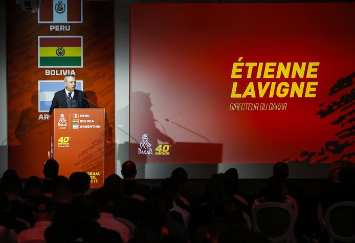 Directeur Étienne Lavigne tijdens de presentatie van de 40e editie van de Dakar Rally in Parijs.