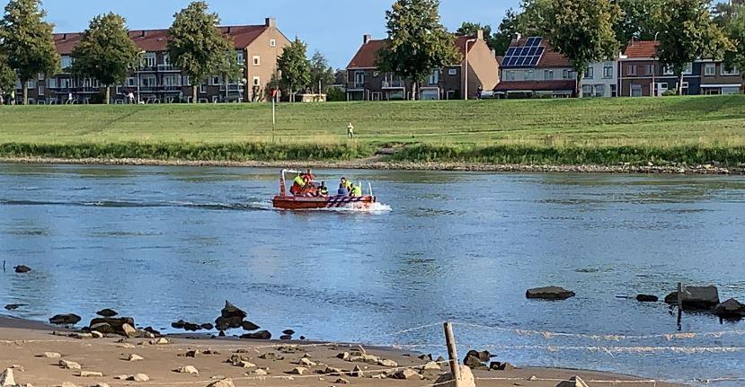 Zoektocht op de IJssel naar een te water geraakte dronken man.