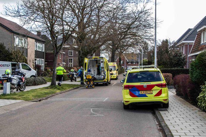 Een vrouw uit Brummen viel vanmorgen van het dak van haar woning.