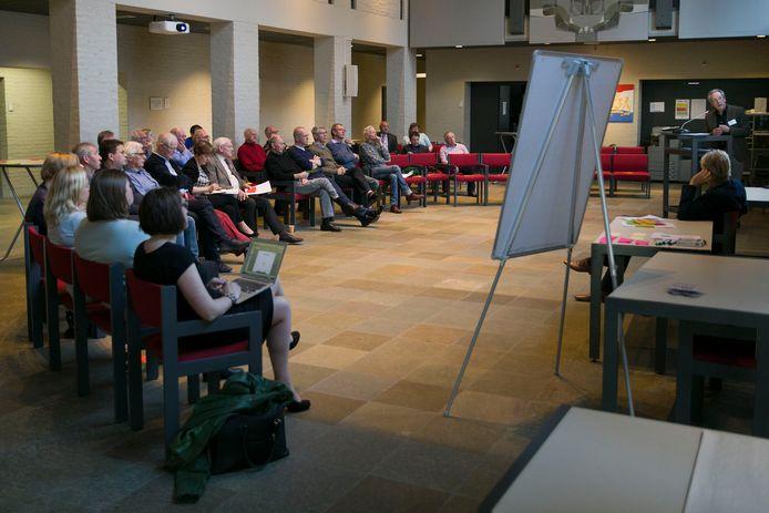 Een informatie-avond voor inwoners van de gemeente Oirschot in het gemeentehuis. (Archieffoto)