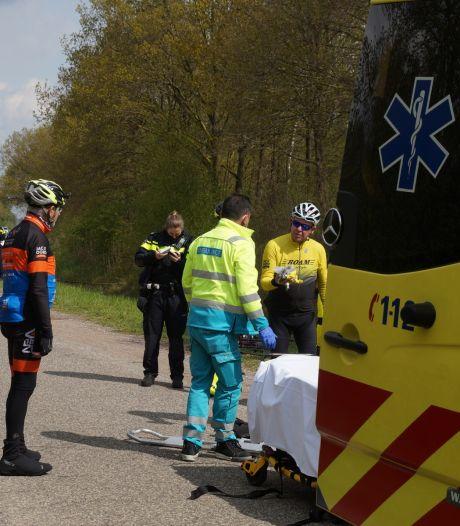 Wielrenner zwaargewond na aanrijding in Drunen