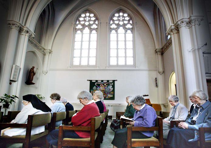 Huize Bijdorp, het klooster in het Zuid-Hollands Voorschoten waar al vier slachtoffers zijn gevallen. De overgebleven nonnen en monniken zitten inmiddels allemaal in quarantaine op hun kamers. (Archieffoto)