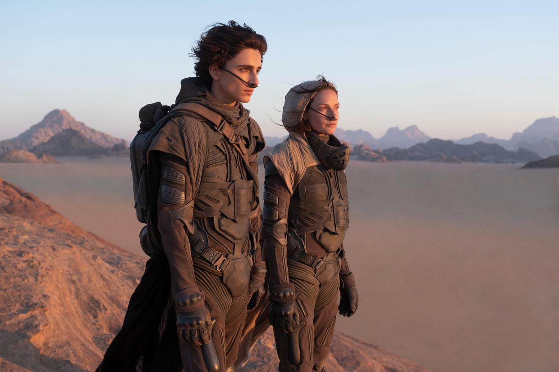 Timothée Chalamet als Paul Atreides en Rebecca Ferguson als Lady Jessica in de nieuwe verfilming van 'Dune' door Denis Villeneuve. Beeld AP