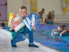 Waterrat Lars (9) heeft 20 zwemdiploma's