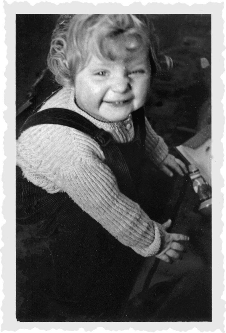 Een jonge Angela Merkel in 1956. (Foto uit het boek Angela Merkel. De kanselier en haar tijd) Beeld ullstein bild - Frank Ossenbrink
