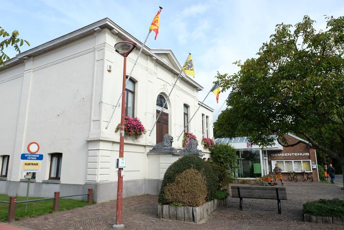 antwerpen gemeentehuis kalmthout verkiezingsreeks foto Dirk Laenen