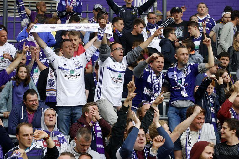 Anderlecht is de Belgische ploeg die het meeste 'winst' haalt uit een fan, blijkt uit een nieuw UEFA-rapport. Beeld BELGA
