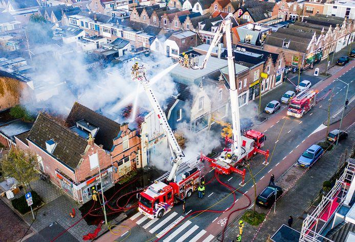Aan de Reeweg-Oost in Dordrecht ging in maart een Grieks restaurant in vlammen op. In totaal bluste de brandweer in de regio Zuid-Holland Zuid 1208 branden.