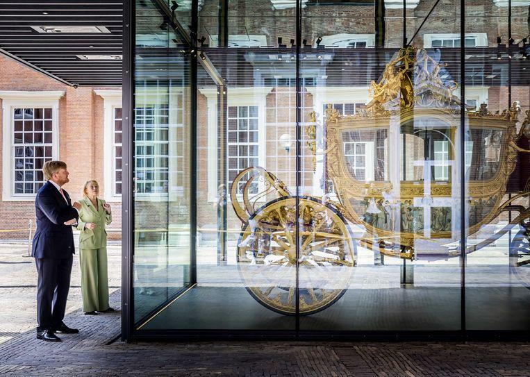 Koning Willem-Alexander opende gisteren zelf officieel in het Amsterdam Museum de expo rond 'zijn' Gouden Koets. Beeld EPA
