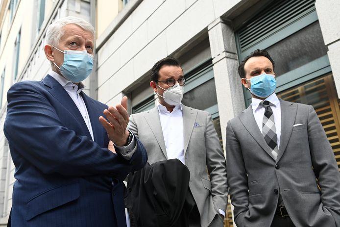Advocaten Joris Vercraeye, Omar Souidi and Mounir Souidi aan de ondernemingsrechtbank in Tongeren.
