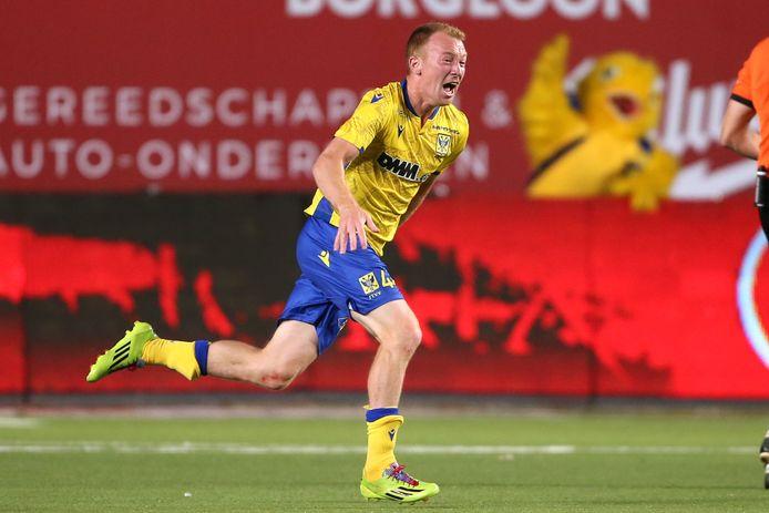 De ontlading is groot bij Christian Brüls na zijn schitterend doelpunt tegen AA Gent.