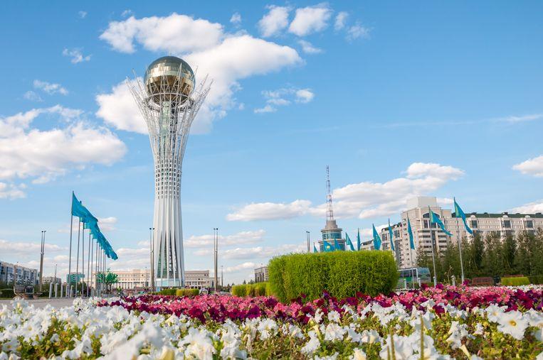 De Bayterek-toren in Astana, Kazachstan.