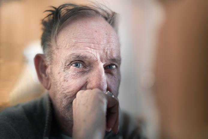 Albert Sneyers (80) wachtte acht jaar lang op een serviceflat.