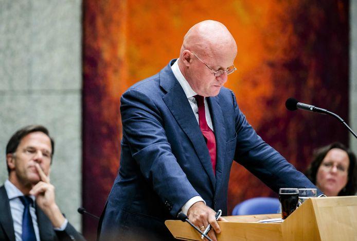 Ferdinand Grapperhaus, minister van Justitie en Veiligheid, tijdens een debat in de Tweede Kamer.