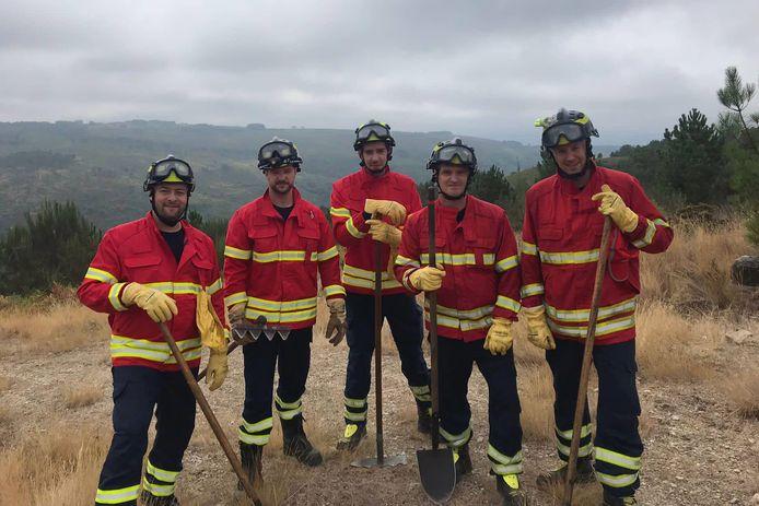 Brandweermannen Bruno Van Londerseele, Brecht Geeroms, Inigo Hanssens, Olivier Van Renterghem en Michael De Nijs maakten een week deel uit van de Bombeiros Voluntários de Castro Daire in Portugal.