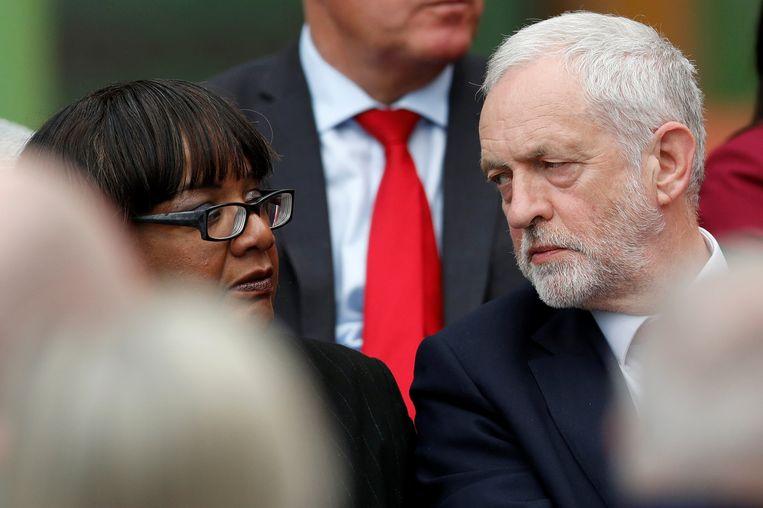 Jeremy Corbyn en Diane Abbott.  Beeld REUTERS