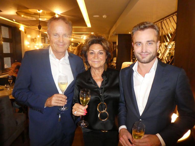 Advocaat Laurens Pit, zakenvrouw/Amsterdamse royalty Christine Kroonenberg, Chris voor intimi, en Roel Veltmeijer (Veltmeijer Group). Beeld Hans van der Beek