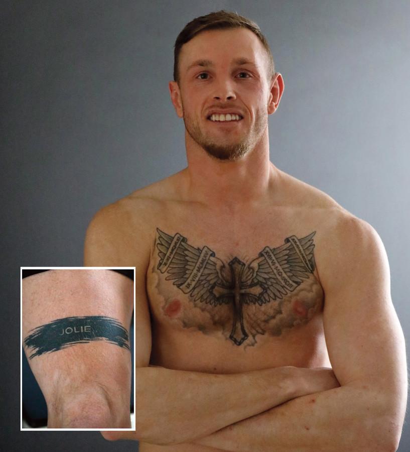 Ferry Meijdam: ,,In de vleugels op mijn borst zijn de geboortedata van mijn ouders, mijn broer en  mijzelf verwerkt.'' Inzet: Zijn laatste tattoo, die van dochter Jolie.