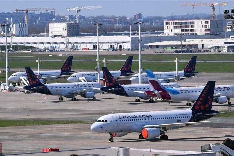 Vliegtuigen van Brussels Airlines op de luchthaven van Zaventem. Beeld Photo News