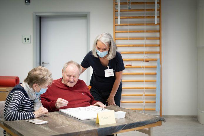 WILLEBROEK Willebroek lanceert het  dementieatelier en de dementiekoffer in WZC Ten Weldebrouc