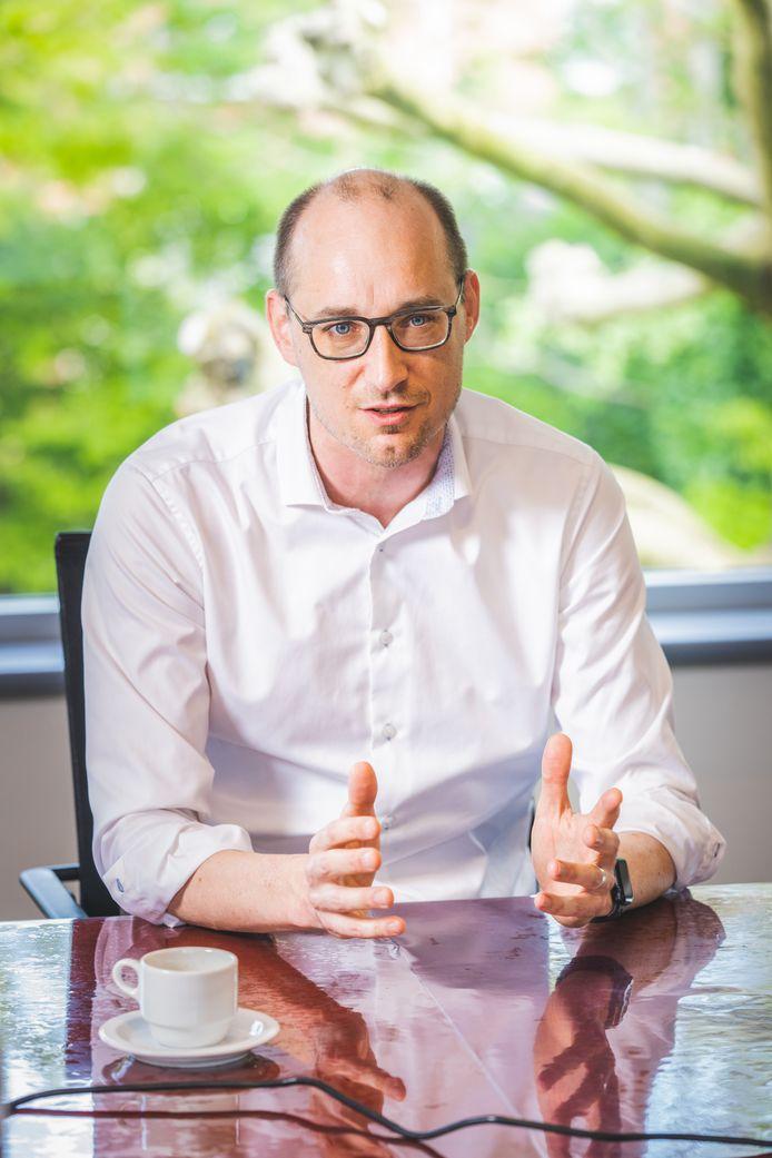 Financiënminister Vincent Van Peteghem (CD&V) liet nieuwe prognoses maken - al blijft dat moeilijk in een markt die volop evolueert.