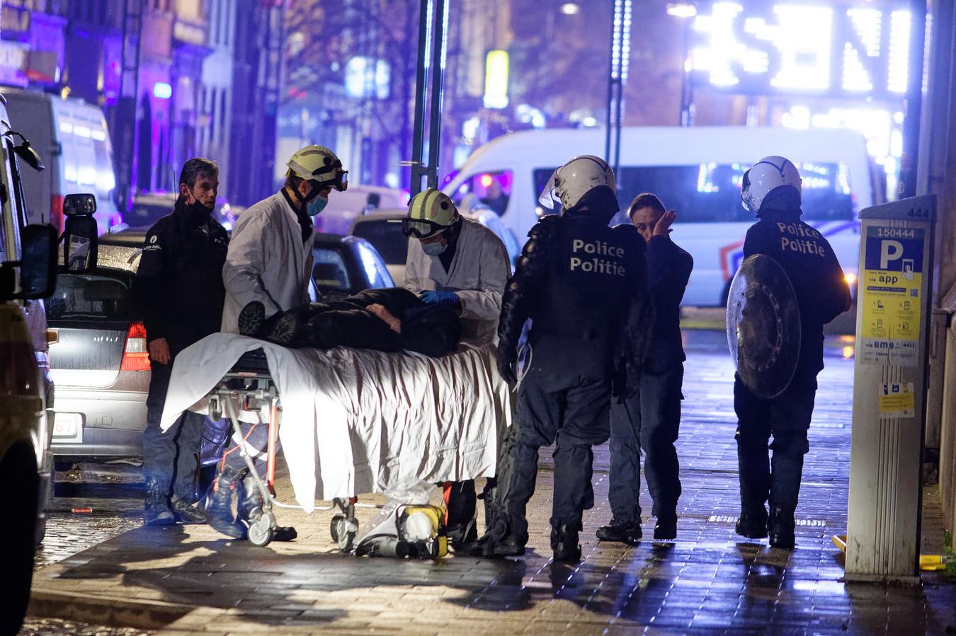 Une policière avait été violemment attaquée par des émeutiers après la manifestation en hommage au jeune Ibrahima, décédé après son interpellation par la police quelques jours plus tôt.