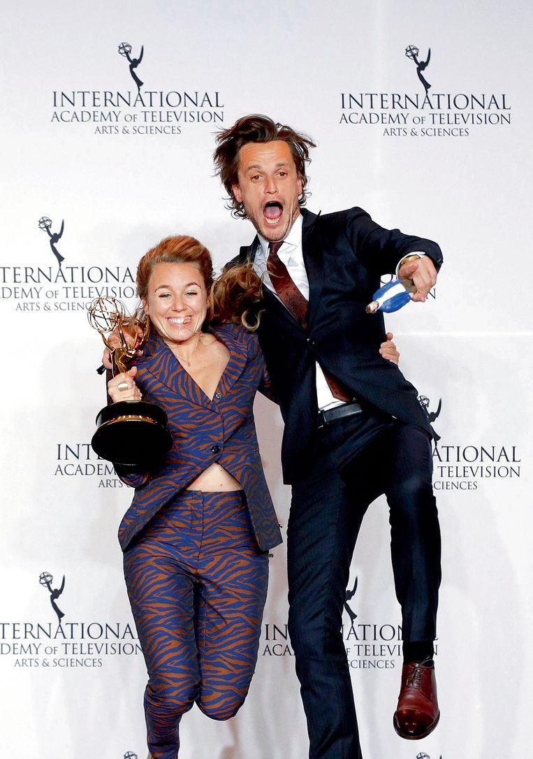 Met vriendin Sofie Peeters op de Emmy Awards: 'Zij heeft een warmte en zachtheid bij Shelter gebracht, waar ik heel dankbaar voor ben.' Beeld RV