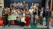 Sponsorloop brengt 630 euro voor brugfiguren Rode Kruis op