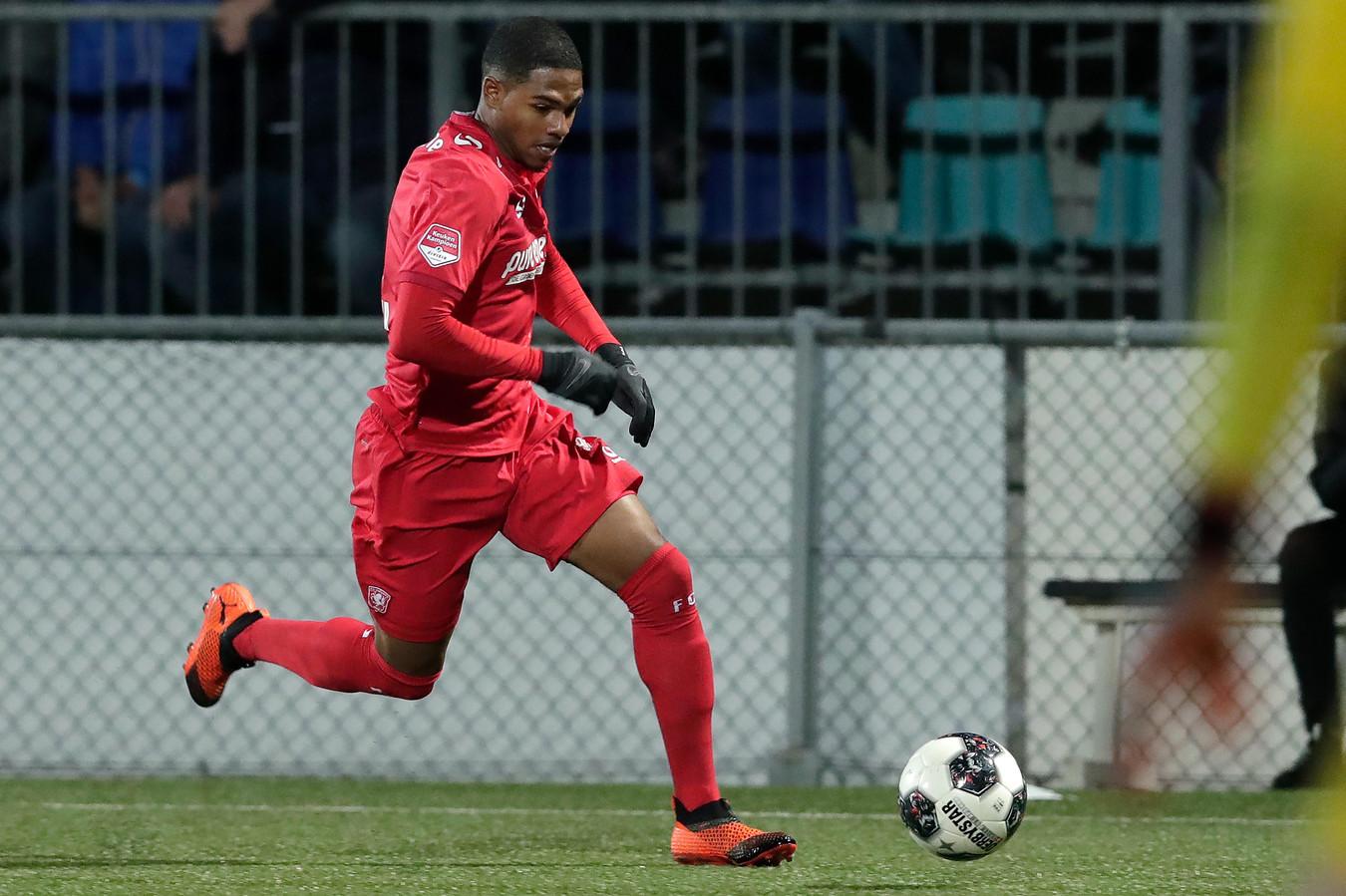Michael Maria in dienst van FC Twente.