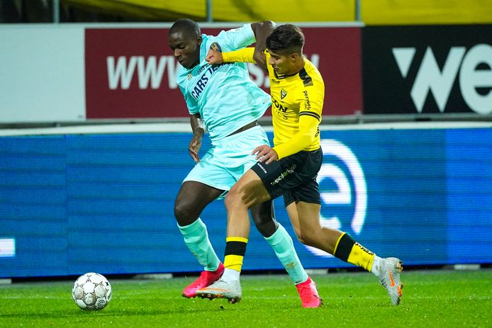 Lassana Faye en Zinédine Machach.
