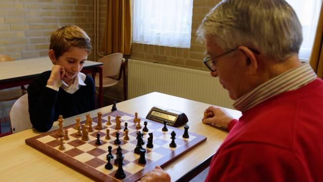 Populariteit schaakclubs in regio stijgt, iedereen wil net zo goed leren schaken als Beth in The Queens Gambit