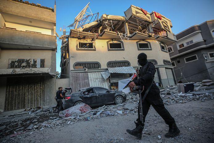 Het huis van Jihad-leider Baha Abu al-Ata wordt geïnspecteerd.