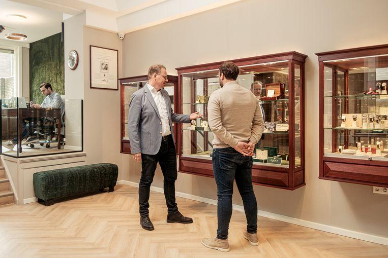Ook in het nieuwe pand van Spiegelgracht Juweliers op de Beethovenstraat vind je zeldzame en exclusieve horloges. Beeld Jakob van Vliet
