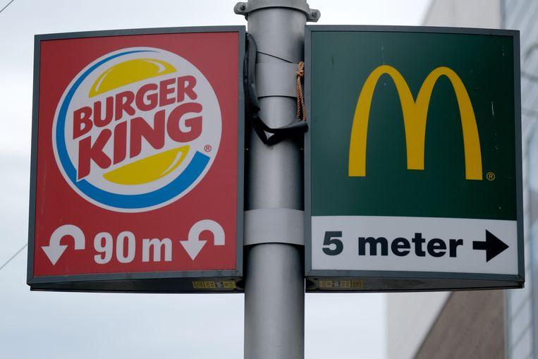 Fastfood-bewegwijzering in Den Haag. Beeld Getty Images