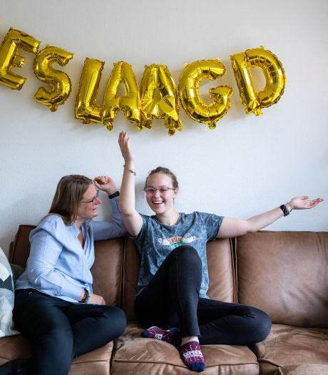 Saskia (17) maakt zich zorgen om het loslaten van de coronaregels: 'Onze vakanties komen in gevaar'