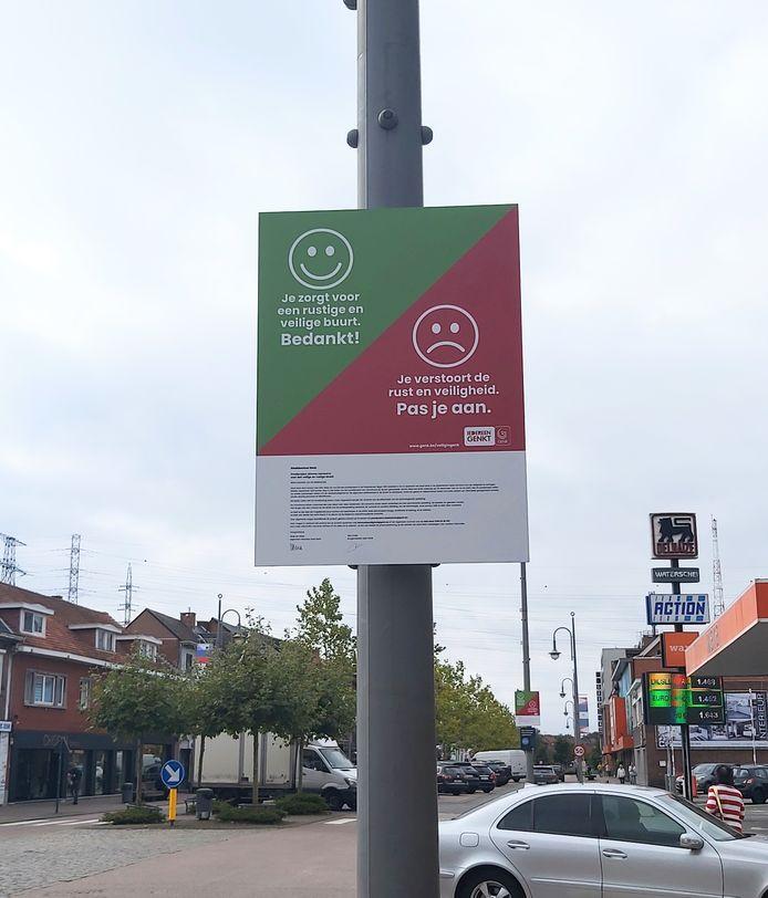 Via borden krijgen de buurtbewoners meer info over het proefproject.