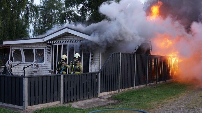 De chalet werd door de brand volledig verwoest.