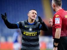 Blamage voor Napoli, Inter helpt AC Milan ondanks scorende De Vrij