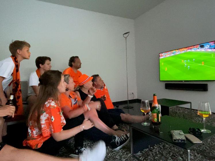 Zo beleefden we de eerste EK-wedstrijd van Oranje