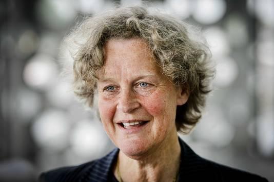 Advocaat Bénédicte Ficq zet haar tanden in 2017 samen met Anne Marie van Veen in de tabaksindustrie.