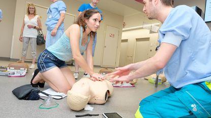 Sint-Jozefkliniek leert bezoekers reanimeren
