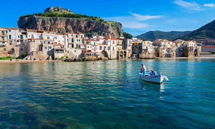 De Siciliaanse regio hoopt ook toeristen uit het buitenland te kunnen verwelkomen. Sicilië wil zelfs een deel van de vakanties van toeristen vergoeden.