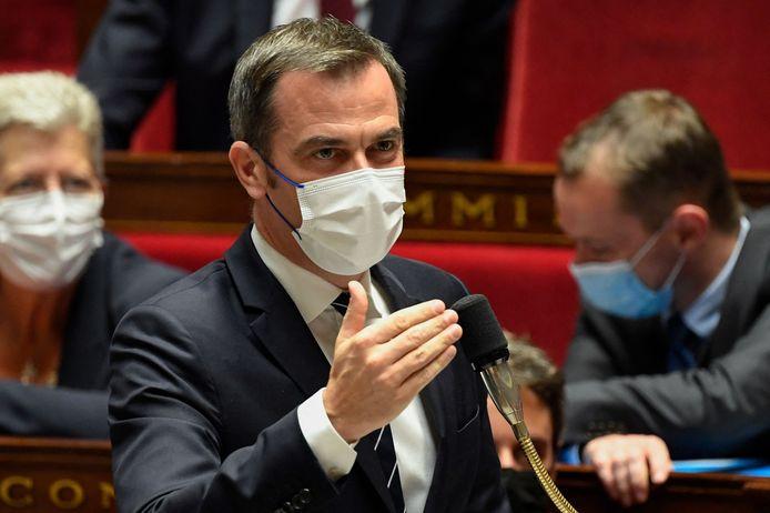 Gezondheidsminister Olivier Véran haalt zijn hand over het hart en stelt de gezondheidspas voor jongeren uit tot eind augustus.