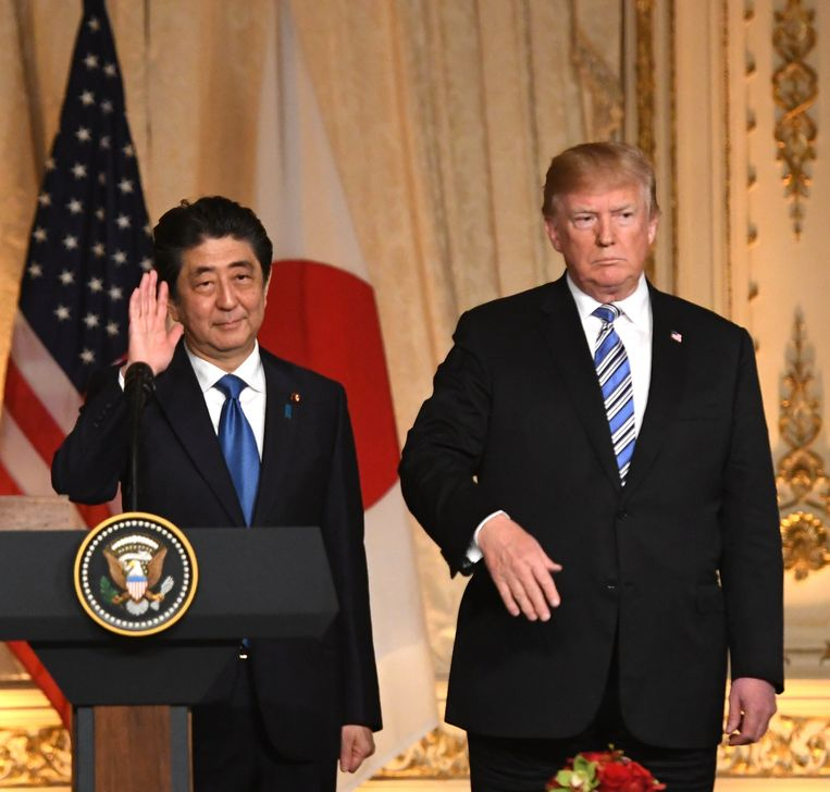 De Japanse premier Shinzo Abe en Donald Trump ontmoetten elkaar deze week in de VS. Beeld Photo News