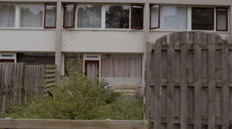 Een Emmense woonwijk in de film 'Voorbij de zee' van Anastasija Pirozenko. Beeld