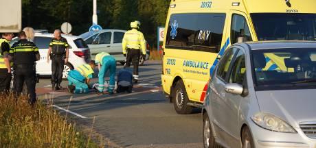 Fietsster gewond bij aanrijding door auto in Dorst