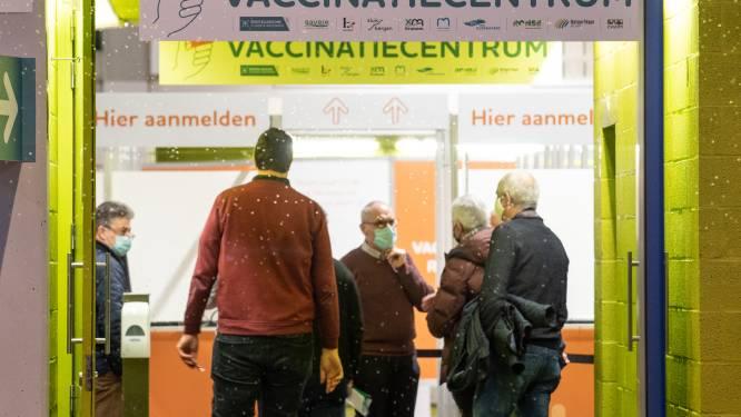 """Leuk idee: """"Bedank vrijwilligers in vaccinatiecentrum Qubus met een kaartje of ga zelf helpen"""""""
